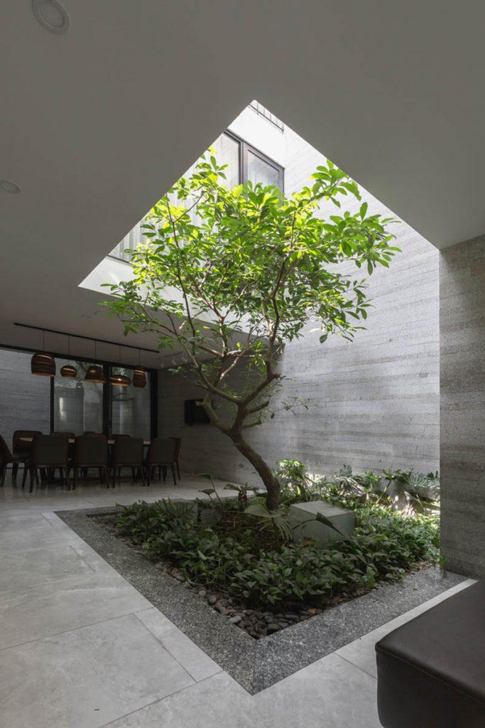 1001 giai phap thiet ke nha pho phan 1 gieng troi trong nha 12 683x1024 - 1001 giải pháp thiết kế nhà phố đẹp ( phần 1): giếng trời trong nhà
