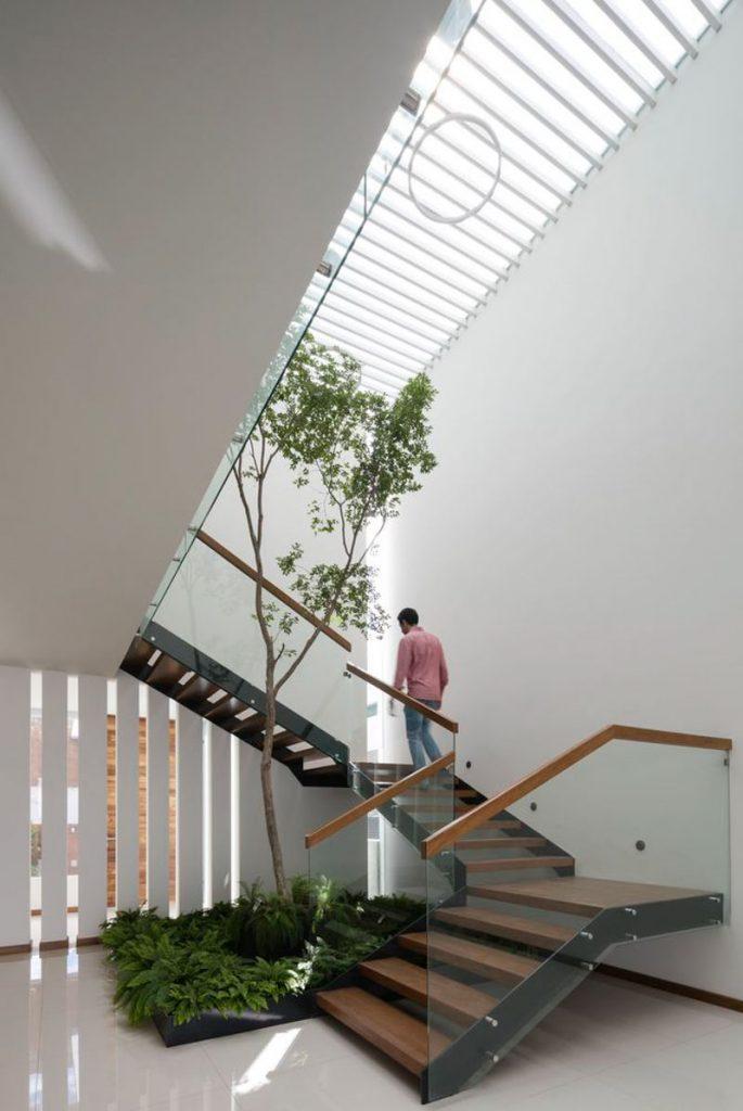 1001 giai phap thiet ke nha pho phan 1 gieng troi trong nha 27 685x1024 - 1001 giải pháp thiết kế nhà phố đẹp ( phần 1): giếng trời trong nhà
