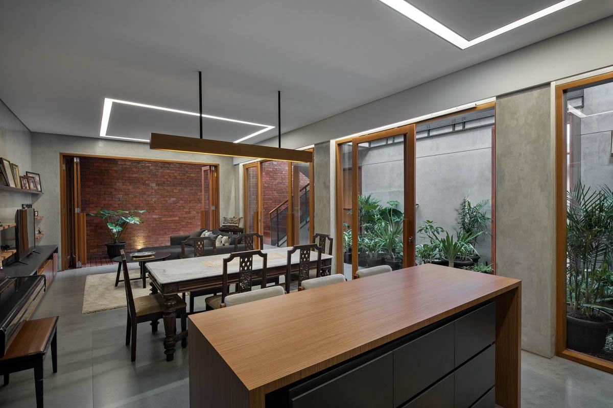 Rumah Beton House ngôi nhà phố đẹp với sự riêng tư tối đa 12 - Rumah Beton House: mẫu thiết kế nhà phố đẹp với sự riêng tư tối đa
