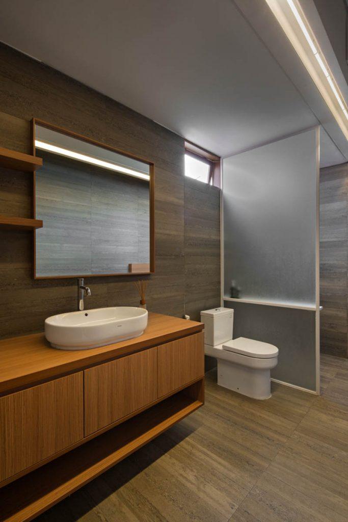 Rumah Beton House ngôi nhà phố đẹp với sự riêng tư tối đa 18 683x1024 - Rumah Beton House: mẫu thiết kế nhà phố đẹp với sự riêng tư tối đa