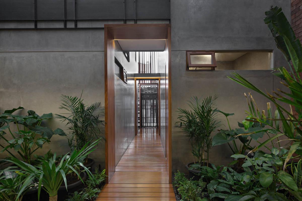 Rumah Beton House ngôi nhà phố đẹp với sự riêng tư tối đa 22 - Rumah Beton House: mẫu thiết kế nhà phố đẹp với sự riêng tư tối đa