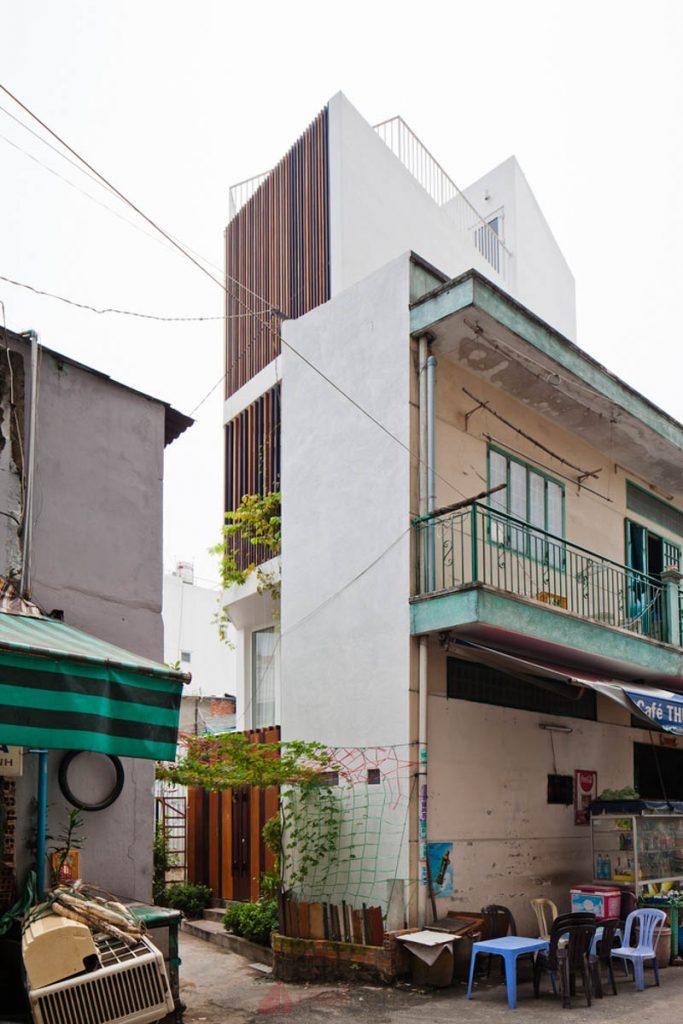Thiết Kế Nhà Nhỏ Đẹp 30m2 tại Sài Gòn 3 683x1024 - Micro Town House 4x8m: Thiết kế nhà nhỏ đẹp 30m2 đầy màu sắc tại Sài Gòn